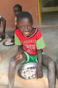 Hilfe zur Selbsthilfe statt Abhängigkeit von Lebensmittelhilfen: Neues Landwirtschaftsprojekt Guinea-Bissau