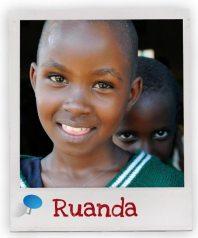 Ein Mädchen aus unserem Förderschaftsprojekt in Ruanda
