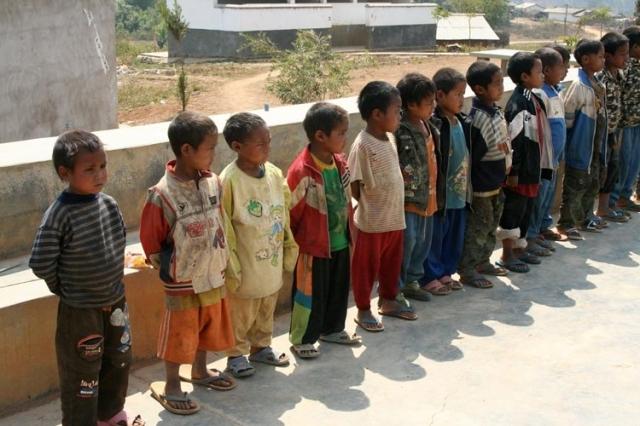 Helfen Sie damit aus Kindersoldaten Patenkinder werden!