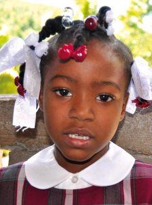 Patenkind Isabelle aus Lougou auf Haiti hat grosse Pläne - helfen Sie diese zu unterstützen