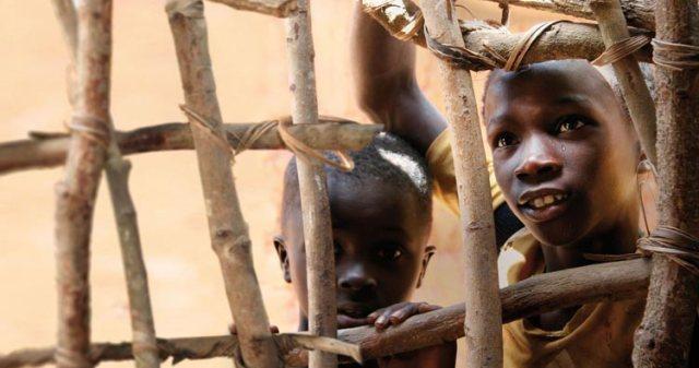 Zwei Buben aus unserem Hilfsprojekt in Bissau
