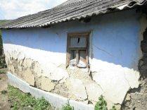 Das verfallene Haus von der Seite