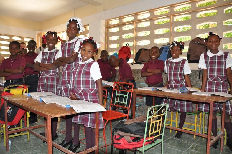 Die Schulkinder Lougous haben nun Strom