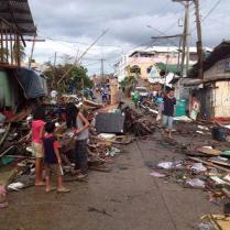 Taifun Haiyan zerstört Hab und Gut vieler Menschen